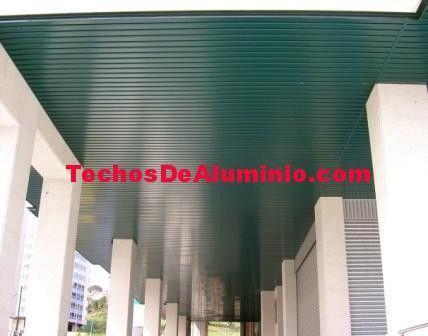 Foto de montadores techos de aluminio acústicos