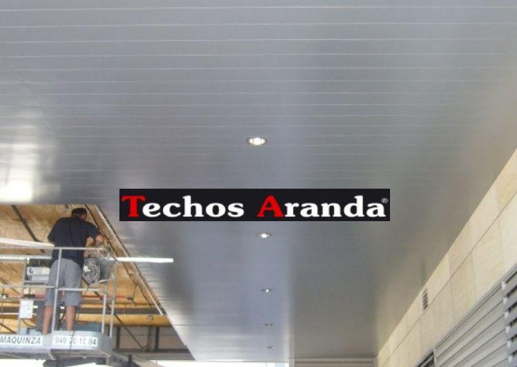 Foto de montadores techos de aluminio registrables decorativos