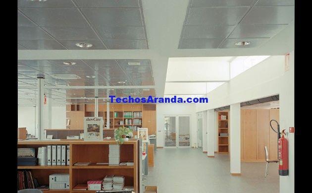 Fotografia de montaje techos aluminio acústicos decorativos