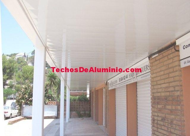Trabajo empresa techos aluminio acústicos decorativos